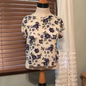 Floral top, size small